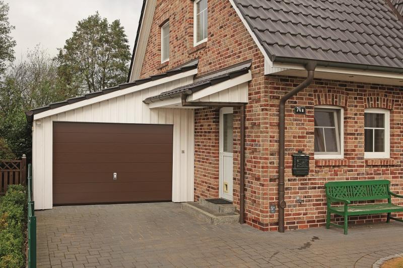 Porte de garage modele queyras de chez fichet espace for Fichet porte de garage